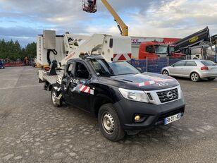 Beschadigde NISSAN NP 300 NAVARA 2.3DCI 160 autohoogwerker