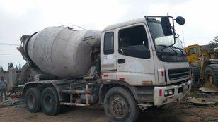 ISUZU CXZ81K betonmixer