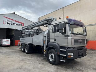KCP 32 RZ-5 170 op chassis MAN TGS 33.400 betonpomp